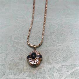 Beautiful sapphire and Diamond 14k