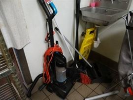 Bissel powersource vacuum with ext. cord, 3 brooms ...