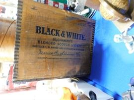 Black & White Scotch Whisky crate