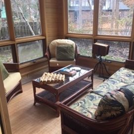 SUNROOM RATTAN FURNITURE....MANY PIECES.