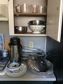 More kitchen ware