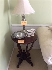 Nice little side table, brushed nickel lamp.