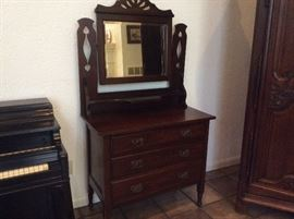Antique wash stand/dresser