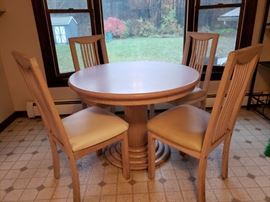 Light wood table w/4 chairs