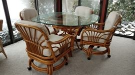 Rattan Table 4 Chairs