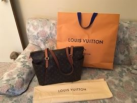 Louis Vuitton Bag with felt storage bag and shopping bag