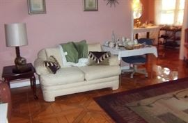 Livingroom Sofa & matching loveseat