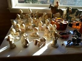 Large selection of Precious Moments figurines