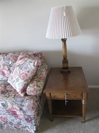 2-Matching End Tables & 2-Matching Table Lamps