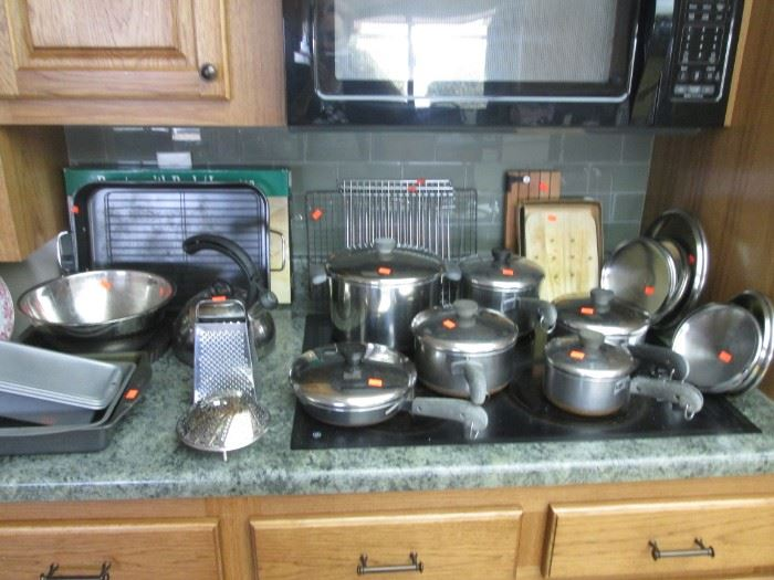 Nice Selection of Pots & Pans, Bakeware & Roasters