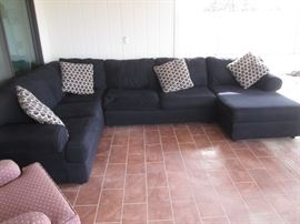 Large Sectional with Chaise, Contemporary Style, Black