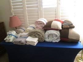 Linen:  Bedding, Throw Pillows, Blankets