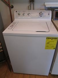 GE Washer with many cycles