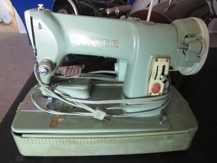 Singer 185 with case