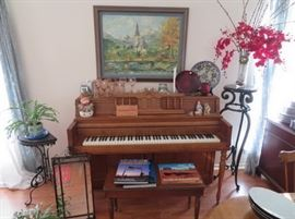Wurlitzer upright piano, great practice piano