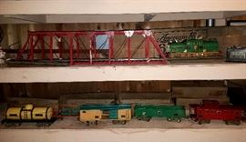 American Flyer train set including trestle & transformer. Engine # 4637, Tanker # 4010, Flat car # 4022,  Box car #4018, Coal car 4017 & Caboose # 4021.   Six pc. train & trestle all individual   original boxes.  Transformer does not.