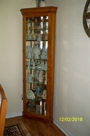 Corner Curio Cabinet Lighted and has Remote !