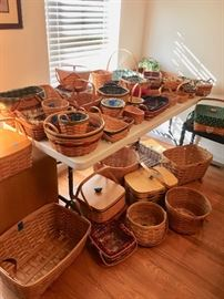 Lots of longaberger baskets