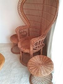 03 Vintage Over Scale Woven Rattan