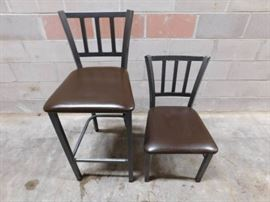 2 Metal Chairs with Vynl Seats