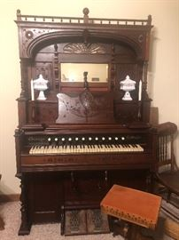 """""""Chicago Cottage"""" Pump Organ in WORKING CONDITION. By  """"The Cable Company""""."""