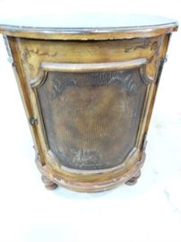 Alligator Accent Drum TableCabinet