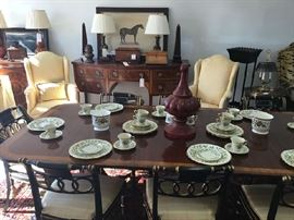 Baker Furniture Historic Charleston 10 Person Dining Table with Holiday Lenox China 12 Place Settings