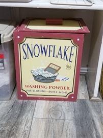 snowflake washing powder box