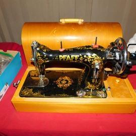 pfaff 51 hand crank sewing machine