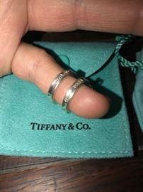 TIFFANY & CO. 925 SMALL HOOP EARRINGS