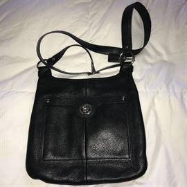 BLACK LEATHER COACH CROSSBODY BAG