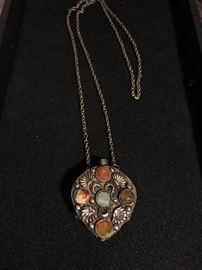 METAL AND STONE BOTTLE NECKLACE