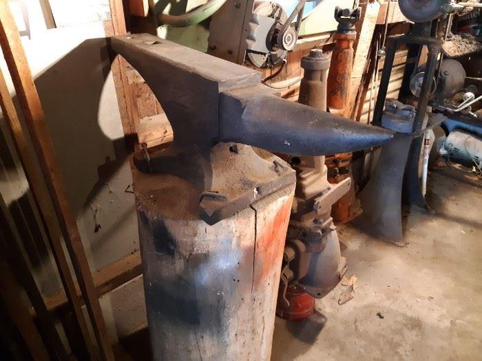 Trenton 133 lb anvil SN: 9792
