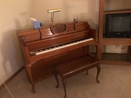 Story & Clark upright piano in immaculate condition!