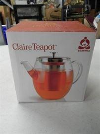 Claire TeaPot