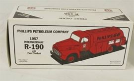 FIRST GEAR Truck Coin Bank  Phillips 66 Petrole ....