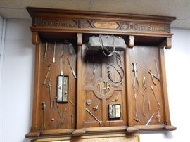 COLLECTION OF ANTIQUE MEDICAL INSTRUMENTS