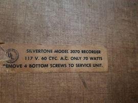 Silvertone model 3070 label