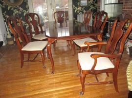 Bassett Bombay Style Dining Room Set- Table / Leaf/ 6 chairs