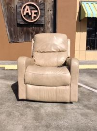 "Leather Power Recliner; Functional; Damage on the Right Arm (In Pictures); Sold AS IS; 33""W x 40""D x 40""H; $100; ref #: 904"