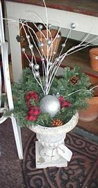 HOLIDAY BOUQUET IN PLANTER-1