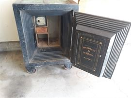 Antique MacNeale Urban Safe