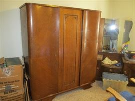 triple-foot armoire will disassemble