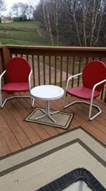 Retro reproduction metal patio chairs & accent table