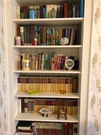 ASSORTMENT OF BOOKS (ZANE GREY)
