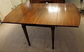 """Lenoir Drop Leaf Dining Room Table, 29"""" x 8.5' x 40"""", Includes 3 Leaves"""