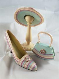 Mini Resin Hat, Shoe, Purse and Hat Stand https://ctbids.com/#!/description/share/77423