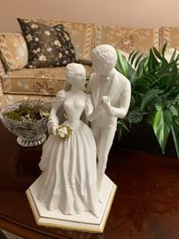 Bride and Groom Sculpture