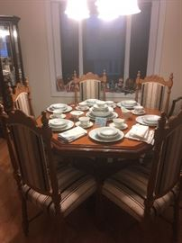 Dining Room Table & 6 Chairs/ China Service