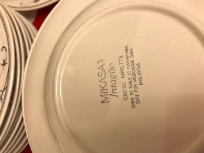 """Mikasa """"Annette"""" service for 8"""